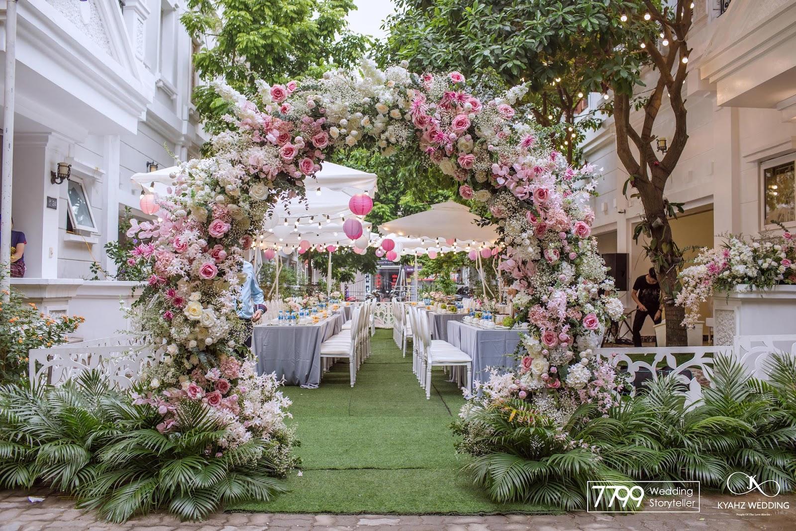 Cổng hoa cưới đẹp trăng tròn