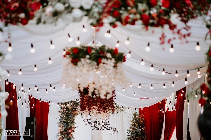 Hoa cưới nhà rạp