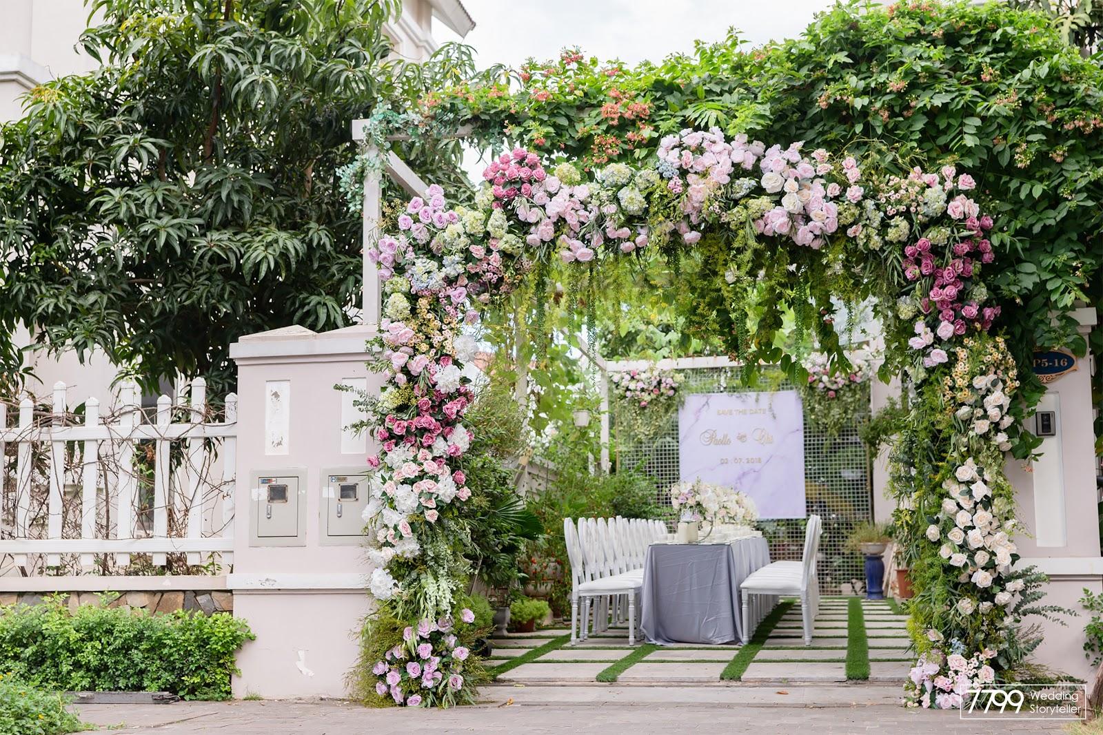 Mẫu cổng hoa màu hồng dịu ngọt
