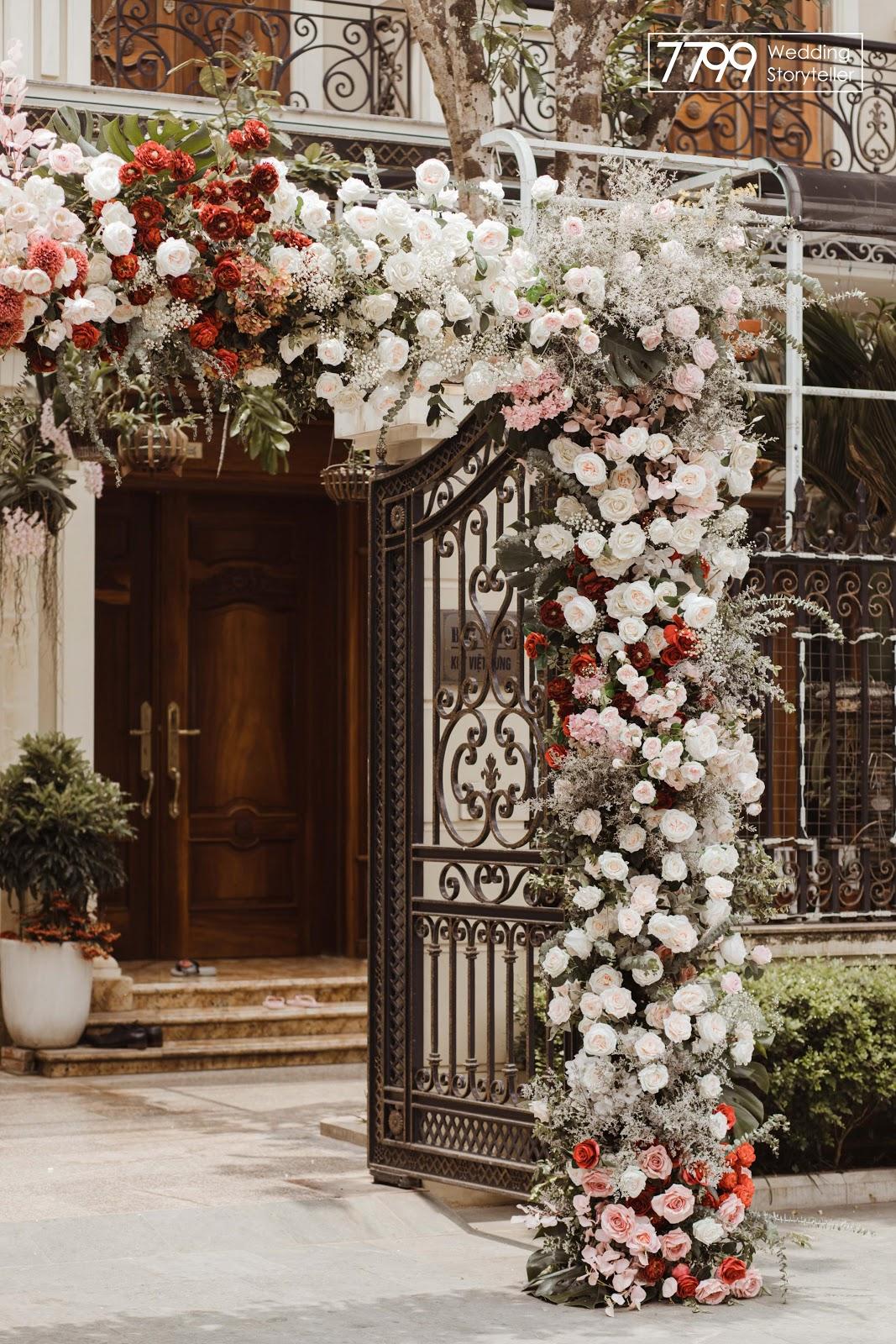 Mẫu cổng hoa cưới tạo khối