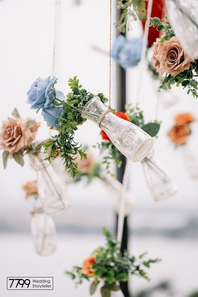 Phụ kiện trang trí trong veo đám cưới