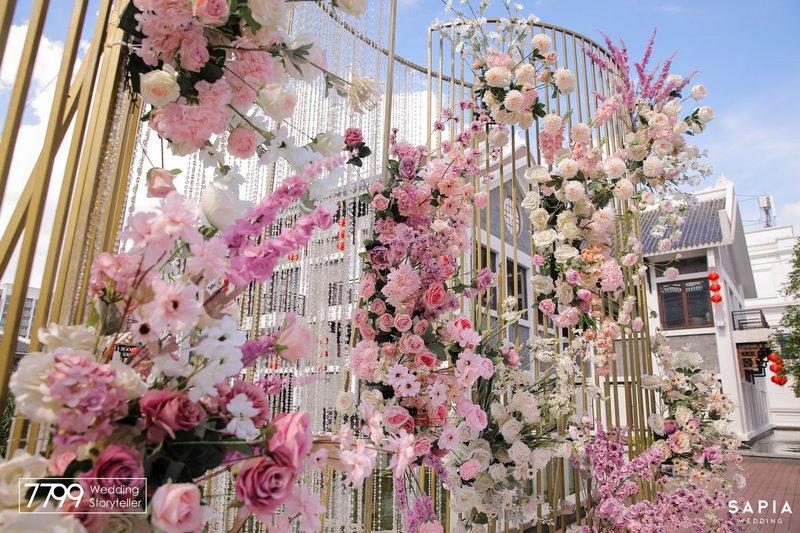 Sân khấu đám cưới ngoài trời - Ngọt ngào với phong cách Maxi