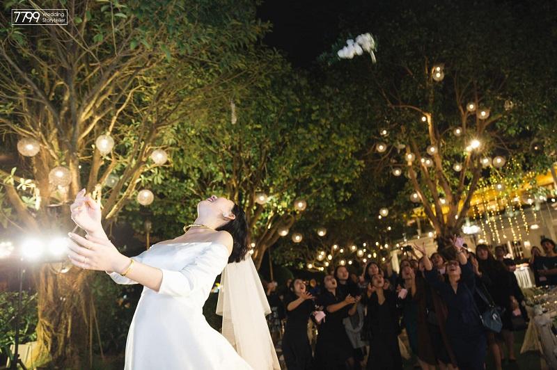 Trang trí đám cưới ngoài trời Sen Hồ Tây