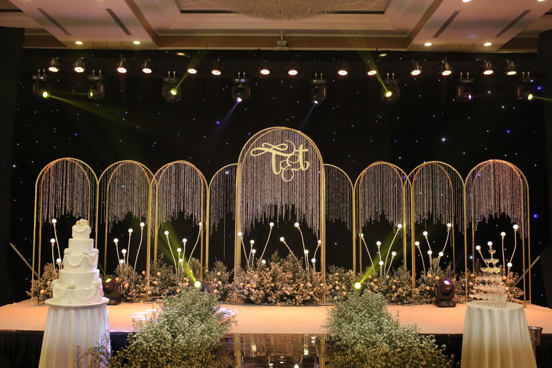 Trang trí tiệc cưới tại Almaz Convention Center